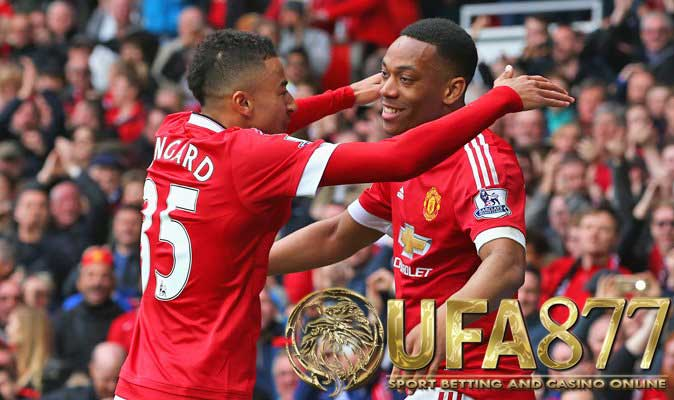 Jesse Lingard และ Anthony Martial